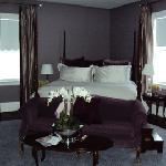 Kemble Inn room