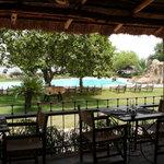 La piscine vue de restaurant