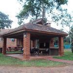 28.-Pto.Iguazú-Complejo Americano: quinchos