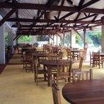 16.-Pto Iguazú Esturión Hotel& Lodge: quincho