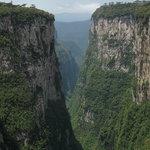 Com Altura das Paredes de até 720 metros