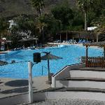 Aktivpool mit Poolbar und Amphitheater
