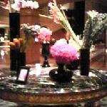 エントランスラウンジのランの花