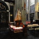 Notre Dame du Sablon ( intérieur-statue miraculeuse)