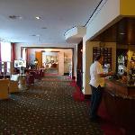 Courtyard Frankfurt NordWestZentrum - lobby & reception area