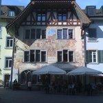 Fassade in Richtung Altstadt.