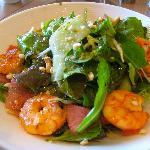 Salatteller mit Crevetten im Signalrestaurant