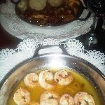 Camarones Pipil y Calamares