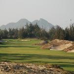 In my sole opinion, this is the best par-5 in Vietnam (#10)