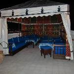 terraza con jaima