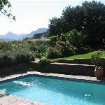 Cottage privatre pool and garden