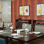 Comfortable, intimate dining