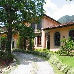 Casa de Lourdes restaurant building