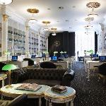 The hotel library was created in the spirit of the Russian intelligentsia