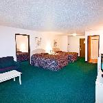 GRAND FAMILY SUITES