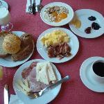 朝食ビュッフェでこんなものをたべました