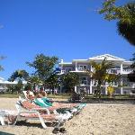 Beach bar & resort