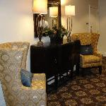 One of the many little seating areas in the lobby and ballroom areas