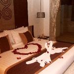 chambre de la pool villa décorée honeymoon