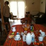 Guests' lounge & dinning room