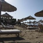 La spiaggia: lettini comodi e spiaggia pulita