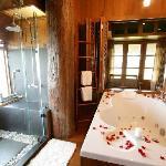 Ruen Ngam Grand Suite 2