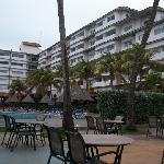 fachada del hotel pueblo caribe