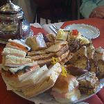 full tea sandwiches & cakes (enough for 4)