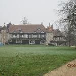 Het huis in de winter.