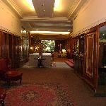 Dora Hotel - Reception & Arts.