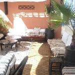 la terraza con el sol...