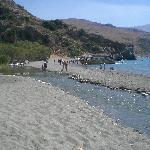 striscia di sabbia tra mare e torrente