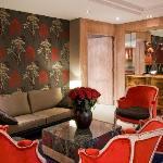 Madison Lounge