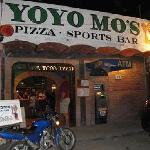 Foto de Yo Yo Mo's Pizza and Sports Bar