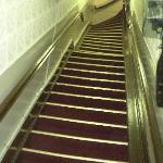 Escalier impressionnant en entrant