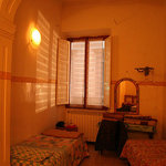 Youth Hostel Florence cheap room in center Florence Italy