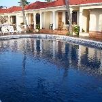 Beautiful infinity pool at Casa Canada