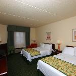 All of our king and double/double guest rooms offer several ammenities.