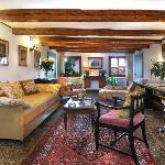 Apartment 3 - sitting-room