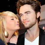 Kiss Robert Pattinson at Madame Tussauds Hollywood