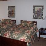 Upstairs bdrm 2 suite 444