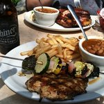 Foto de County Line Barbeque- River Walk