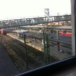 Gleise direkt vorm Fenster