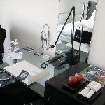 Schwanen guest room desk, TV area
