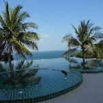 Tanote Vill Hill Infinity Pool