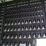 壁一面の大仏像