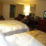 Room w/ 2 queen beds