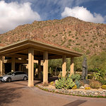 The Canyon Suites Porte Cochere