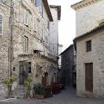 ingresso davanti alla casa di San Francesco