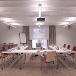 Einer der sechs modernen Tagungsräume/ one of 6 modern conference rooms